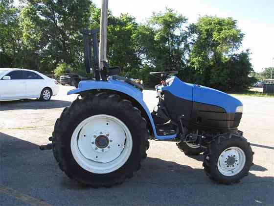 2001 Used NEW HOLLAND TC33 Compact Tractor Fort Smith