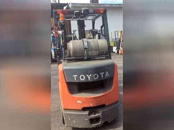 2017 Used TOYOTA 8FGCU32 Forklift Riverside, Ohio