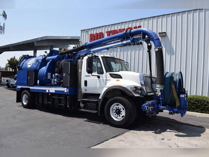 2012 Used INTERNATIONAL 7400 Vacuum Truck Fontana - photo 2
