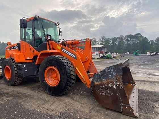 2017 Used Doosan DL220-5 Wheel Loader Jacksonville, Florida