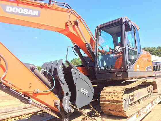 2017 Used DOOSAN DX140 LC-5 Excavator Pensacola