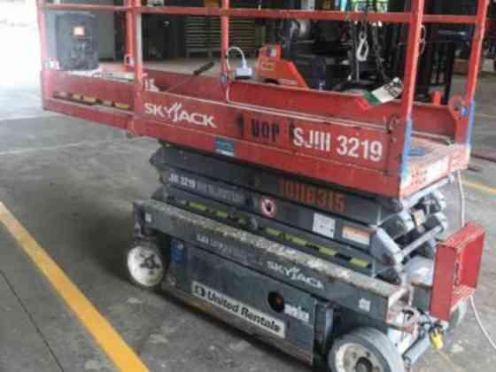 2013 Used Skyjack SJIII 3219 Scissor Lift Pensacola