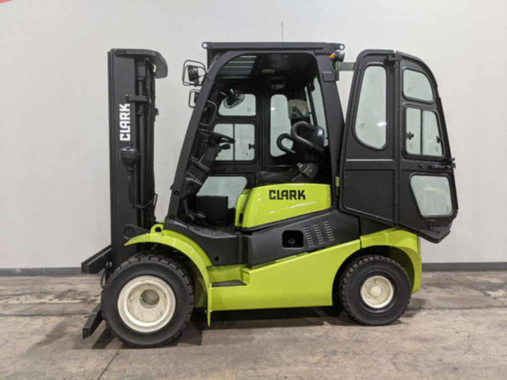 Forklift Operator Requirements and Qualifications