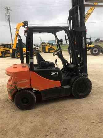 2015 Used DOOSAN D30S-7 Forklift Abilene