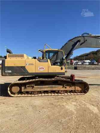 2013 Used VOLVO EC250DL Excavator Charlotte