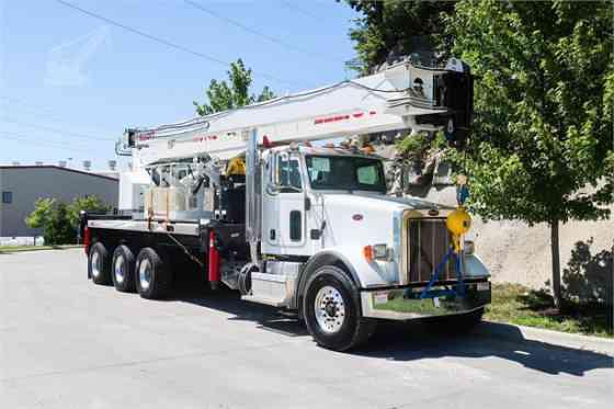 2016 ELLIOTT 40142R Truck-Mounted Crane On 2016 PETERBILT 365 Kansas City, Missouri