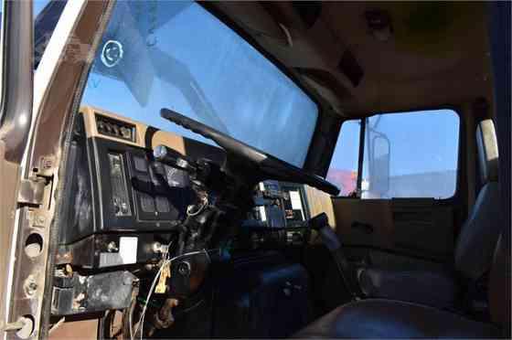 1990 Used INTERNATIONAL 8200 Grapple Truck Memphis