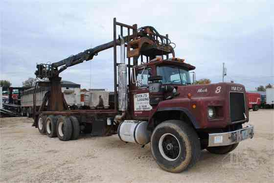 1990 Used MACK RB688 Grapple Truck Memphis