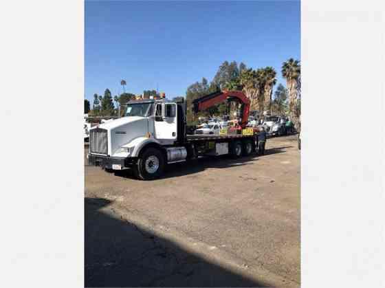 2013 PALFINGER PK32080C Crane MOUNTED ON 2013 KENWORTH T800 Houston