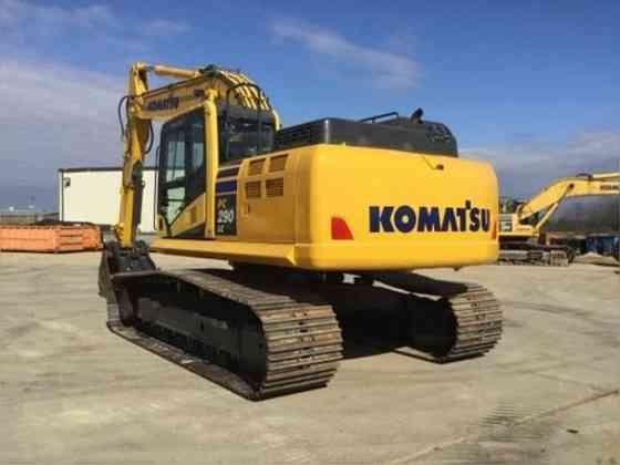 USED 2015 KOMATSU PC290 LC-11 EXCAVATOR Wayne, Michigan