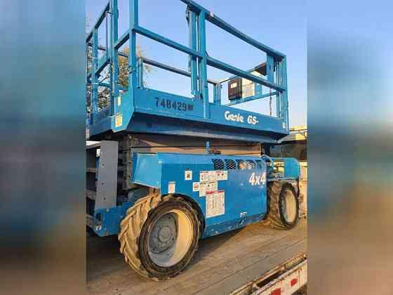 USED 2007 GENIE GS3268RT SCISSOR LIFT Wayne, Michigan