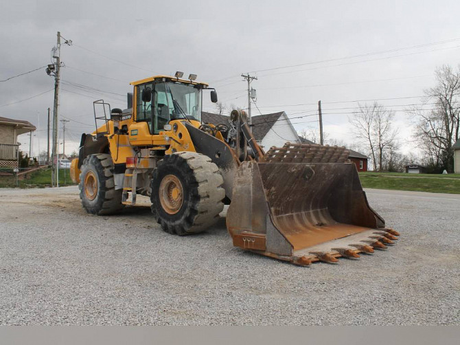 USED 2015 VOLVO L220H WHEEL LOADER Frankfort, Kentucky - photo 1