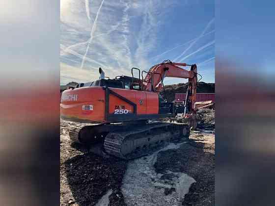 USED 2018 HITACHI ZX250 LC-6 EXCAVATOR Wayne, Michigan