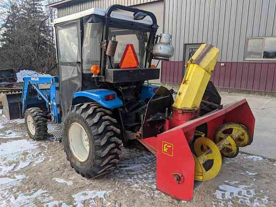 USED 1997 NEW HOLLAND 1630 TRACTOR Caledonia