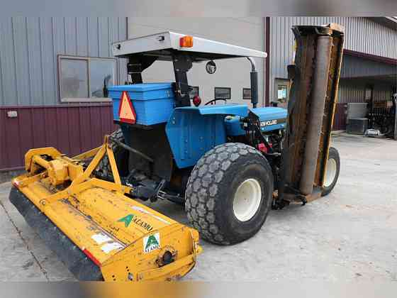 USED 1998 NEW HOLLAND 4630 TRACTOR Caledonia