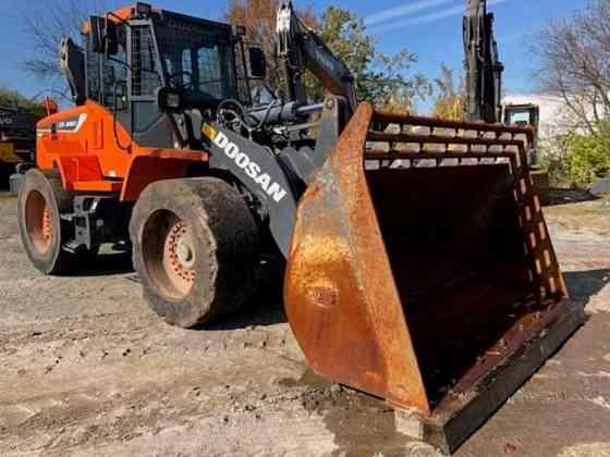 USED 2018 DOOSAN DL220-5 Wheel Loader Piscataway