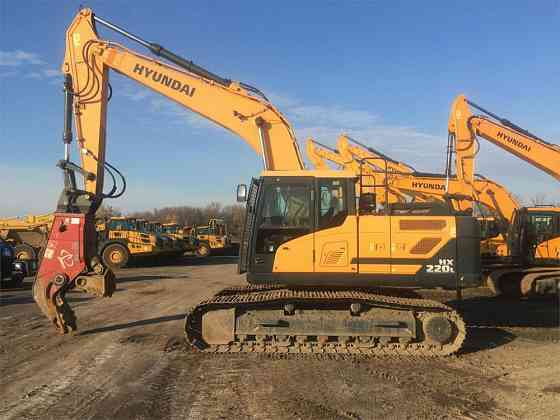 USED 2016 HYUNDAI HX220L Excavator Syracuse, New York