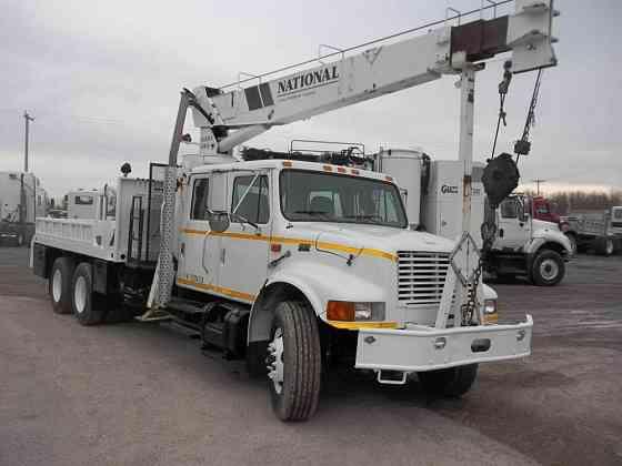 USED 2000 INTERNATIONAL 4900 Crane Truck Caledonia