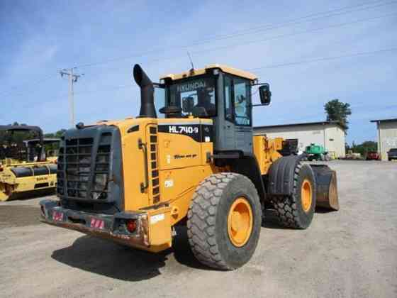 USED 2013 HYUNDAI HL740-9 Wheel Loader Caledonia