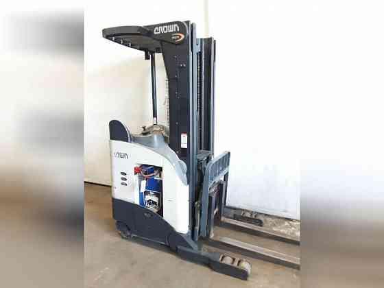 USED 2009 CROWN RR5210-40 Forklift Charlotte