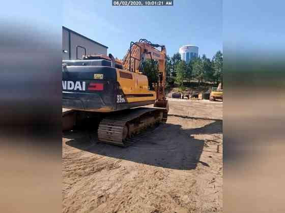 USED 2018 HYUNDAI HX220L Excavator Lexington, North Carolina