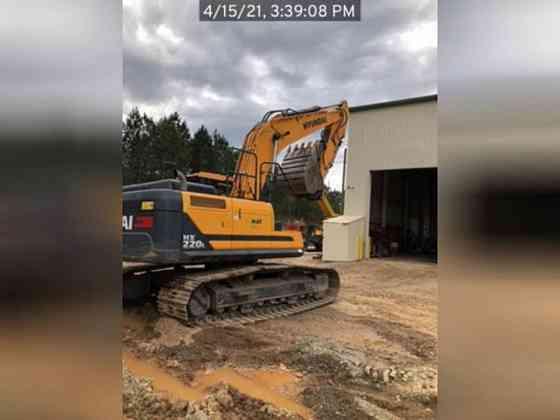 USED 2019 HYUNDAI HX220L Excavator Lexington, North Carolina
