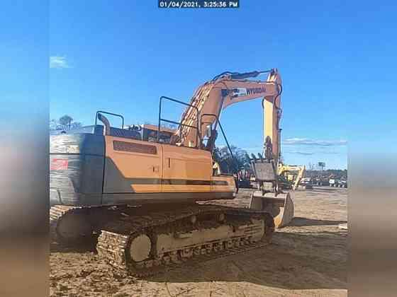 USED 2017 HYUNDAI HX330L Excavator Lexington, North Carolina