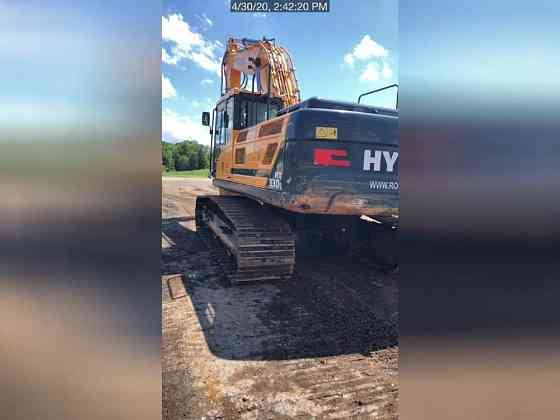 USED 2018 HYUNDAI HX330L Excavator Lexington, North Carolina
