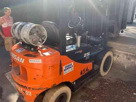 USED DOOSAN G25E3-SDF Forklift Denver