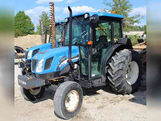 USED 2005 NEW HOLLAND TN60DA Tractor Greensboro