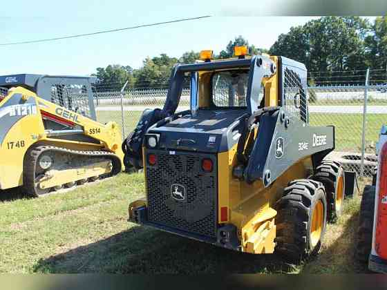 USED 2018 DEERE 324E Skid Steer Greensboro