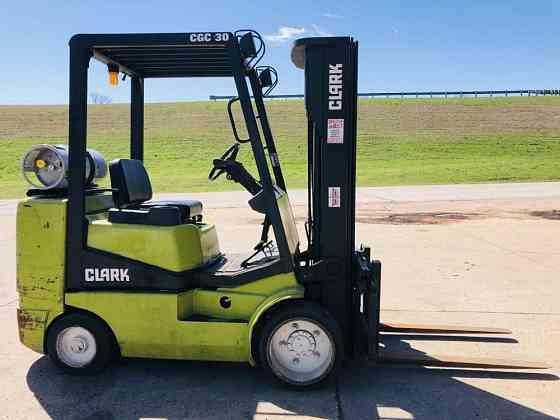 USED 1998 CLARK CGC30 Forklift Duncan