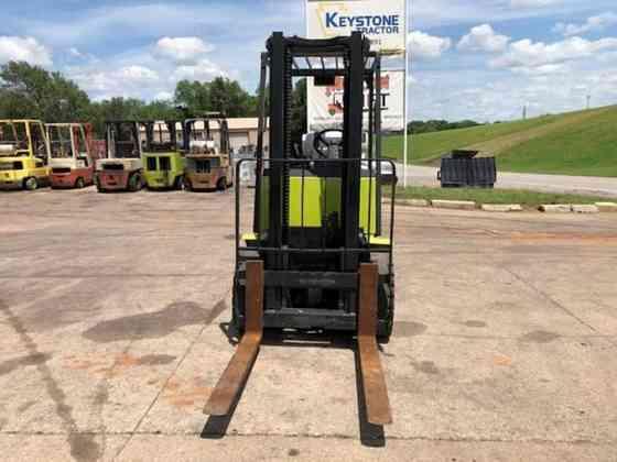 USED 1997 CLARK CGP25 Forklift Duncan