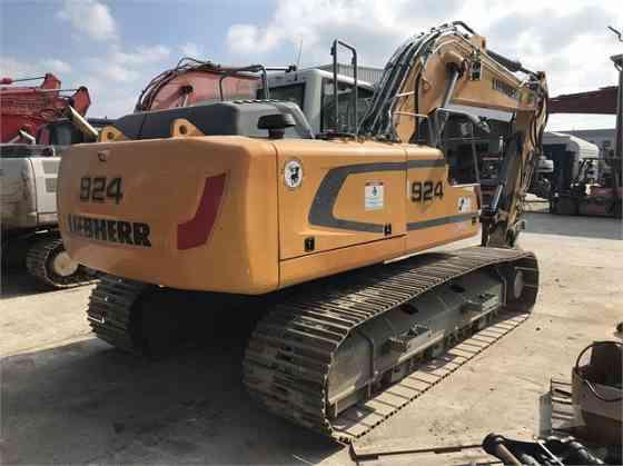 USED 2016 LIEBHERR R924 Excavator Placentia