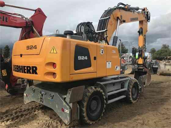 USED 2015 LIEBHERR A924C Excavator Placentia