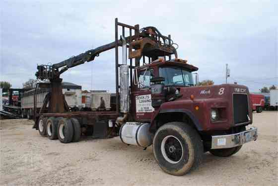 USED 1990 MACK RB688 Grapple Truck Dyersburg