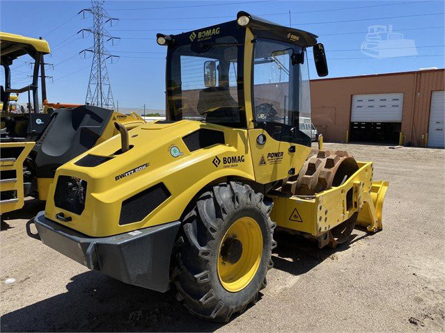USED 2018 BOMAG BW177PDH-5 Compactor Denver - photo 1
