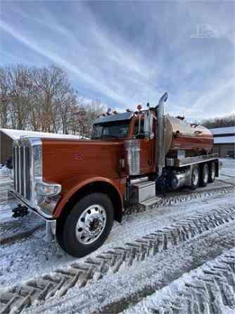 USED 2017 PETERBILT 389 Vacuum Truck Pittsburgh