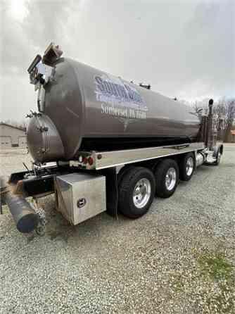 USED 2018 PETERBILT 389 Vacuum Truck Pittsburgh