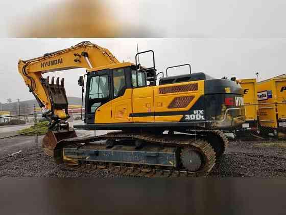 USED 2017 Hyundai HX300L Excavator Portland, Oregon