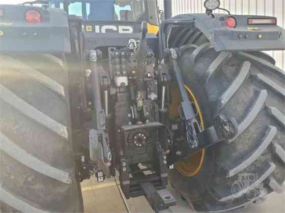 USED 2018 JCB FASTRAC 8330 Tractor Garden City, Kansas