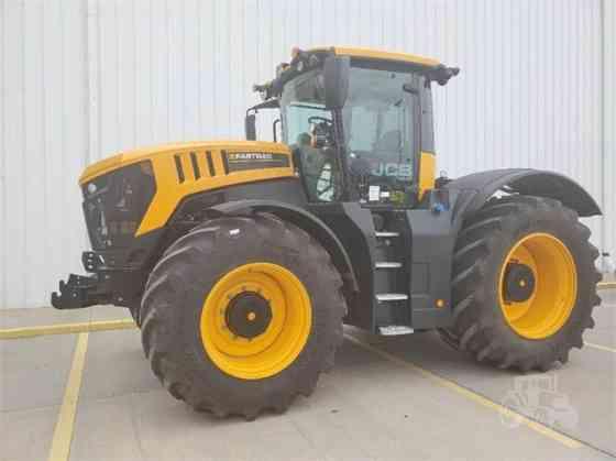 NEW 2021 JCB FASTRAC 8330 Tractor Garden City, Kansas