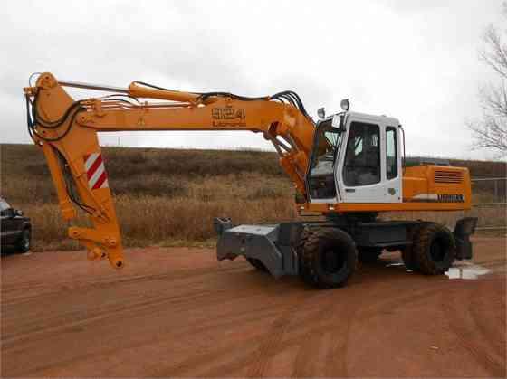 USED 1999 LIEBHERR A924 Excavator Milwaukee