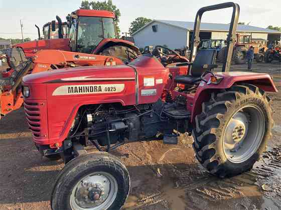 USED 2012 MAHINDRA 4025 Tractor York