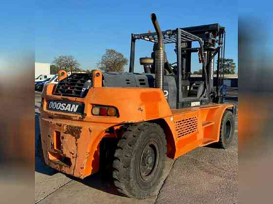USED 2015 Doosan D160 Forklift Bristol, Pennsylvania