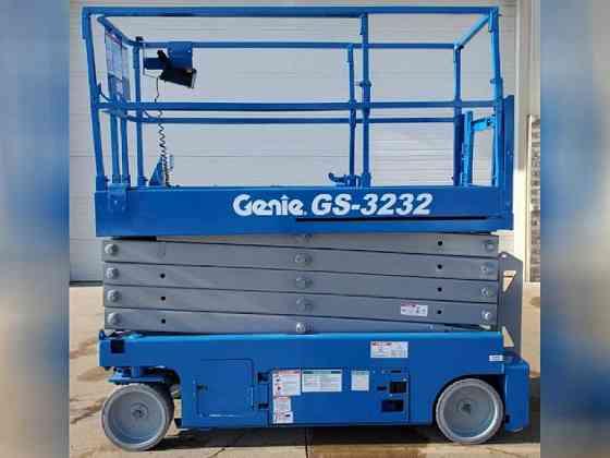 USED 2013 Genie GS3232 Scissor Lift Bristol, Pennsylvania