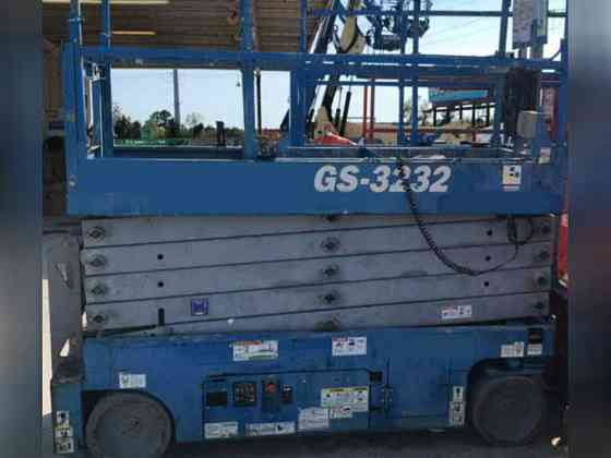 USED 2014 Genie GS3232 Scissor Lift Bristol, Pennsylvania