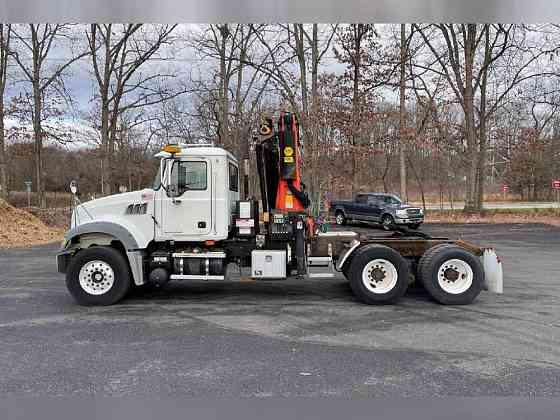 USED 2007 PALFINGER PK29002 Crane Philadelphia
