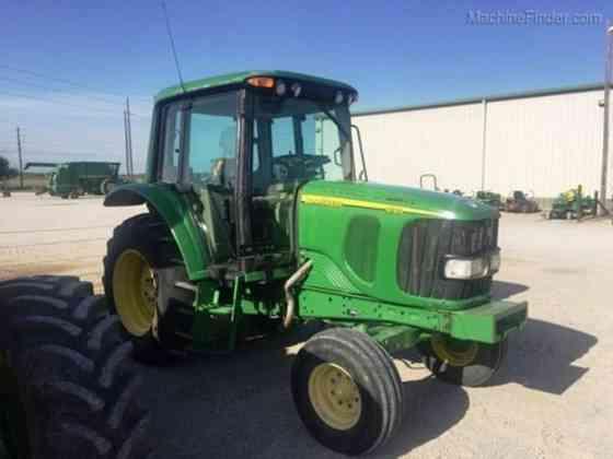 USED 2002 JOHN DEERE 6120 Tractor Waco