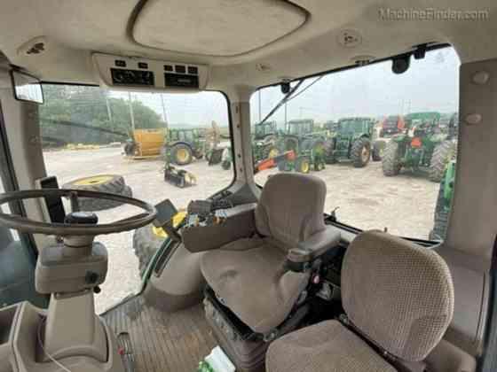 Used 2011 8235R JOHN DEERE Tractor Waco